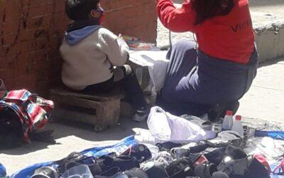 Fjernundervisning på gata i La Paz